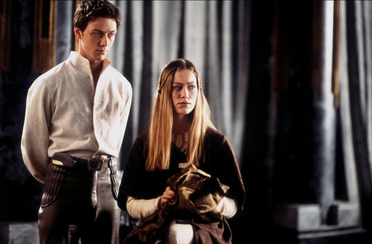 """James McAvoy and Jessica Brooks as Leto II and Ghanima Atreides in miniseries """"Children of Dune"""" from 2003."""